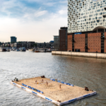 FIVB ha organizzato un match di beach volley sull'acqua ad Amburgo!